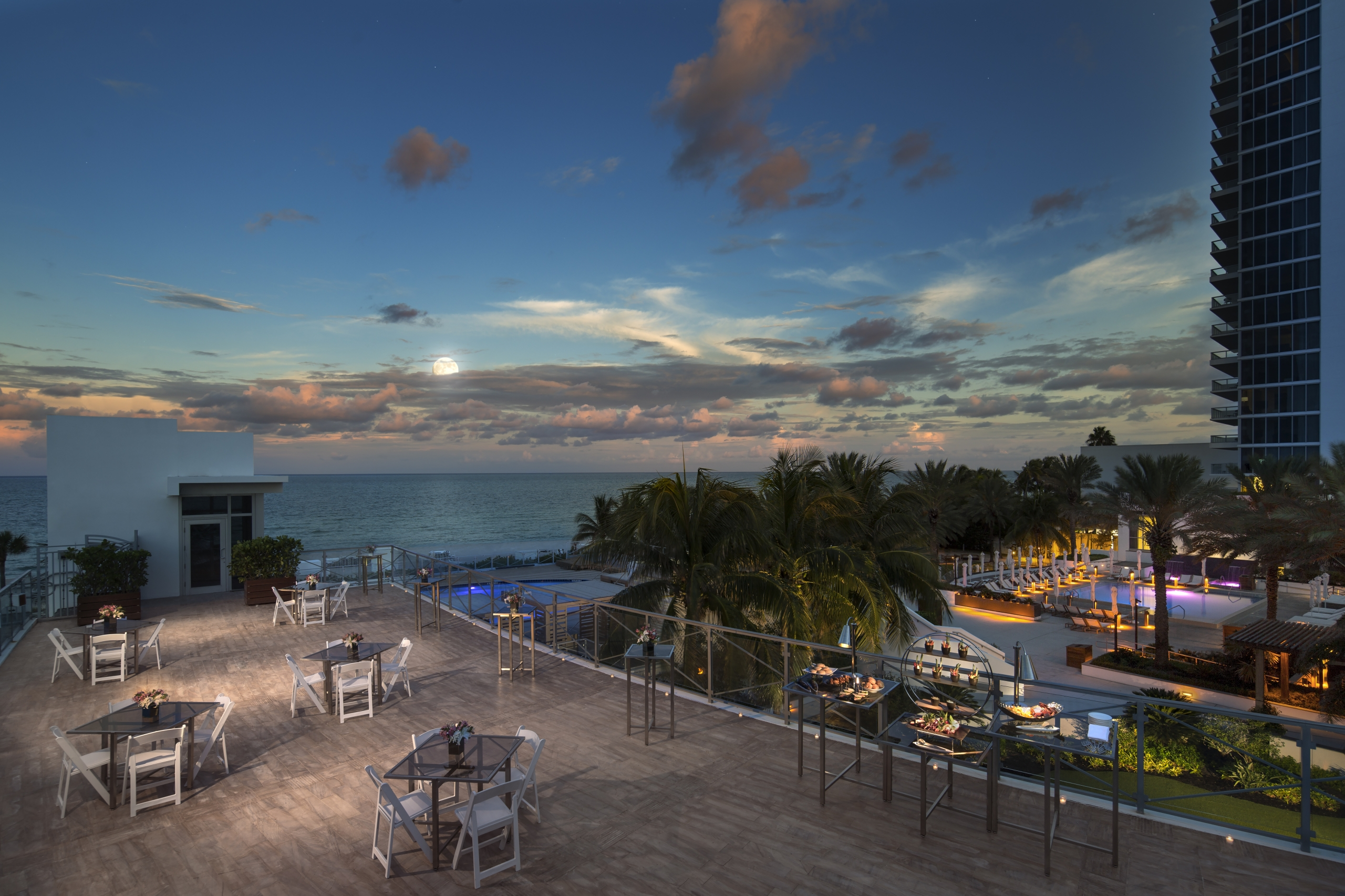 The moon and stunning view of Eden Roc, Miami Beach